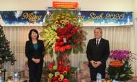 Vizestaatspräsidentin Dang Thi Ngoc Thinh beglückwünscht Protestantenverband Südvietnams