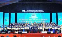 """Übergabe des Preises """"Ly Tu Trong"""" 2020 an 98 ausgezeichnete Leiter von Jugendverbänden"""