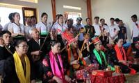 Das einzigartige Then Kin Pang-Fest der Weißen Thai