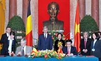Vize-Staatspräsidentin Nguyen Thi Doan empfängt den belgischen Kronprinzen