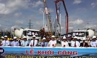 Vize-Premierminister Hai nimmt an dem Baubeginn der Brücke Sai Gon 2 teil