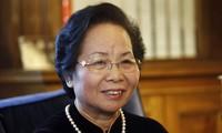 Vize-Staatspräsidentin Nguyen Thi Doan trifft 100 Jugendliche