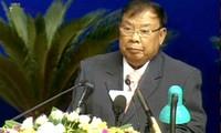 Parlamentspräsident Nguyen Sinh Hung trifft den laotischen Vize-Staatspräsident