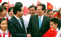 Premierminister Nguyen Tan Dung nimmt an ASEAN-China-Messe in China teil