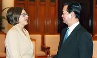 Premierminister empfängt Finnlands Ministerin für internationale Entwicklung
