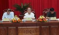 Parlamentspräsident Nguyen Sinh Hung besucht Hau Giang