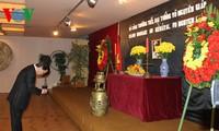 Vietnamesische Botschaften in vielen Ländern organisieren Gedenkfeier des Generals Vo Nguyen Giap