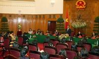 Premierminister Nguyen Tan Dung empfängt Parlamentarierinnen