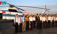 VOV-Delegation besucht Bewohner und Soldaten auf der Insel Truong Sa Lon