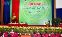 Premierminister Nguyen Tan Dung: Produktion darf Umwelt nicht negativ beeinflussen