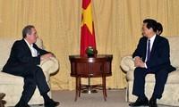 Premierminister Nguyen Tan Dung trifft US-Handelsvertreter Michael Froman