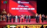 Staatspräsident Truong Tan Sang nimmt an Feier zum 20. Gründungstag des Textilkonzerns Vinatex teil