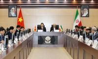 Staatspräsident Truong Tan Sang trifft Irans Religionsführer Khamenei