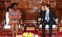 Staatspräsident Truong Tan Sang trifft Weltbank-Landesdirektorin für Vietnam Victoria Kwakwa
