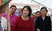 Parlamentspräsidentin Nguyen Thi Kim Ngan besucht Messe der Gemeindeprodukte in Quang Ninh