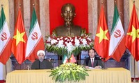 Irans Präsident schließt seinen Vietnam-Besuch ab