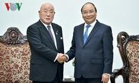 Premierminister Nguyen Xuan Phuc trifft Sonderberater des japanischen Kabinetts