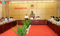 Staatspräsident Tran Dai Quang tagt mit der Leitung der Provinz Nghe An