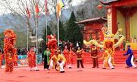 Dorffest Ngoc Tan mit folkloristischen Spielen