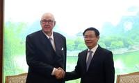 Vizepremierminister Vuong Dinh Hue trifft Vorstandschef von Jardines Matheson