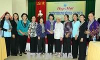Die Vizestaatspräsidentin nimmt am Treffen der Frauen des damaligen Stützpunkts 8 teil
