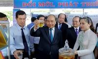 Premierminister Nguyen Xuan Phuc tagt mit Leitung der Provinz Tien Giang