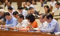 Abgeordnete diskutieren über Staatsinvestitionen