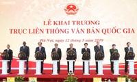 Premierminister Nguyen Xuan Phuc eröffnet das System für den elektronischen Versand staatlicher Dokumente
