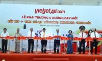 Premierminister Nguyen Xuan Phuc eröffnet neue Fluglinien nach Can Tho