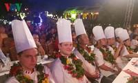 Bekannte Köche aus neun Ländern beteiligen sich am Kochwettbewerb in Hoi An