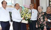 Premierminister Nguyen Xuan Phuc gratuliert vorbildlichen Journalisten in Ho Chi Minh Stadt