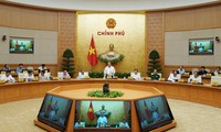 Premierminister Nguyen Xuan Phuc zieht Schluss der Regierungssitzung