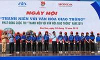 """Union der vietnamesischen Jugendlichen startet den Wettbewerb """"Jugendliche und Verkehrskultur"""""""