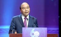 Premierminister Nguyen Xuan Phuc hebt kreativen Einsatz von Menschen hervor