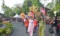 Vietnam wirbt für Tourismus auf dem Straßenfest Denpasar in Indonesien