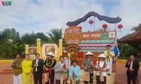 Erste Touristen des Jahres 2020 in Vietnam empfangen