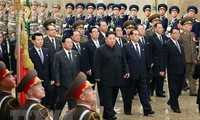 Nordkoreas Staatschef Kim Jong-un besucht eine Baustelle als erste öffentliche Aktivität 2020