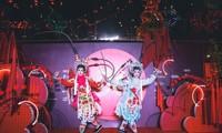 Junge Vietnamesen und traditionelle Künste