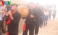 Das Set der traditionellen Musikinstrumente der Volksgruppe Dao Khau im Kreis Sin Ho
