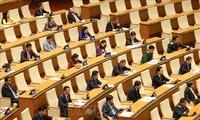 Abgeordnete schätzen den Sozialwirtschaftsbericht des Premierministers auf der Eröffnungssitzung des Parlaments