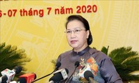 Parlamentspräsidentin Nguyen Thi Kim Ngan nimmt an der Eröffnung der Volksratssitzung von Hanoi teil