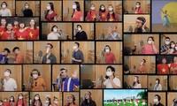 """Mehr als 40 Sängerinnen und Sänger singen """"Morgen kommt wieder die Sonne"""""""