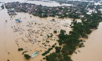 USA helfen zentralvietnamesischen Provinzen bei den Flut-Folgen