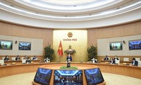 Premierminister Nguyen Xuan Phuc fordert striktere Maßnahmen gegen Covid-19-Epidemie