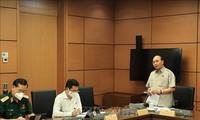 Parlament diskutiert in Gruppen über die Sozialwirtschaftslage