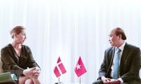 Staatspräsident Nguyen Xuan Phuc trifft andere Staats- und Regierungschefs und Leiter internationaler Organisationen