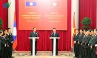 Tahun solidaritas persahabatan Vietnam-Laos 2012 mencapai sukses baik
