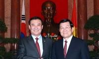 Presiden Truong Tan Sang menerima Ketua Parlemen Republik Korea Kang Chang Hee