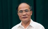 Ketua MN Vietnam, Nguyen Sinh Hung melakukan temu kerja dengan Jawatan Perbendaharaan Negara Vietnam