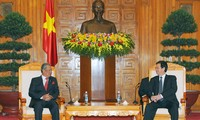 PM Vietnam, Nguyen Tan Dung menerima Deputi PM merangkap Menteri Pendidikan Malaysia